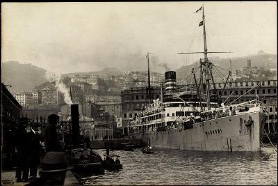 Foto Doal, Dampfschiff Wangoni Vor Anker,Hafen,Stadt--Giclee Print