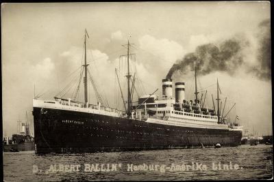 Foto Hapag, Dampfschiff Albert Ballin, Rauch--Giclee Print