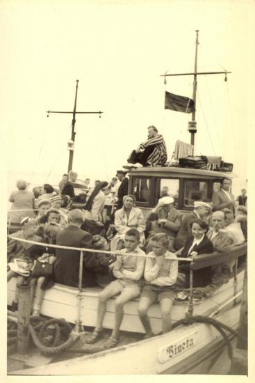 Foto Norderney Nordsee, F?hre Vineta, Passagiere--Giclee Print