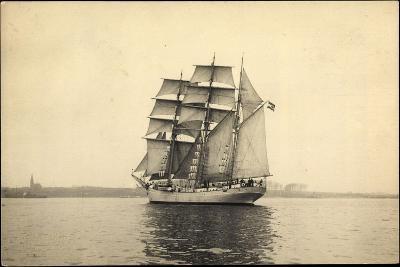 Foto Segelschiff Niobe, Schulungsschiff, Dreimaster--Giclee Print