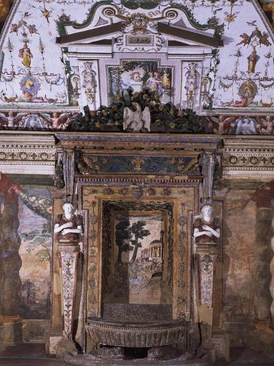 Fountain with View of Temple of Sybil in Tivoli--Giclee Print