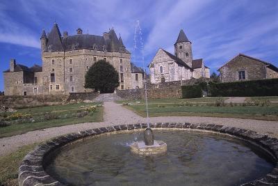 France, Aquitaine, Jumilhac-Le-Grand, Jumilhac Castle--Giclee Print