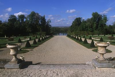 France, Champagne-Ardenne, Park at La Motte-Tilly Castle--Giclee Print