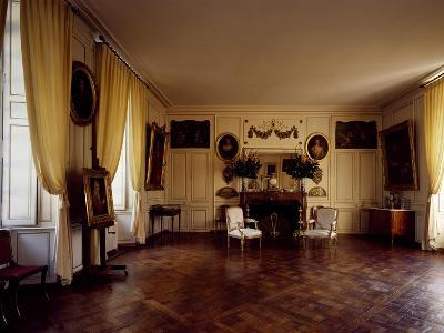 France, Chateau De Lantheuil, Grand Salon with 18th Century Furniture--Giclee Print