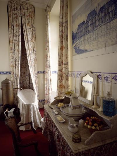 France, Chevreuse, Chateau De Breteuil, Toilette Interior--Giclee Print