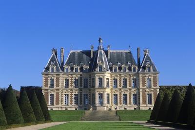 France, Ile-De-France, Main Façade and Garden of 15th Century Sceaux Castle--Giclee Print