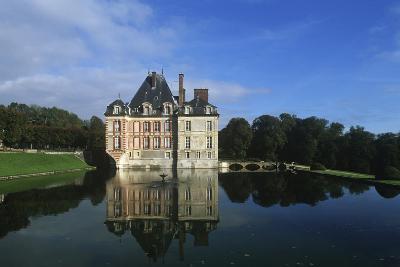France, Ile-De-France, Ormesson-Sur-Marne, Castle of Ormesson, 16th Century--Giclee Print