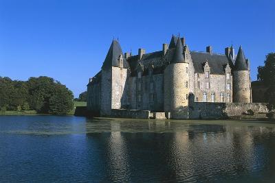 France, Loire Valley, Mezangers, Rocher Castle--Giclee Print