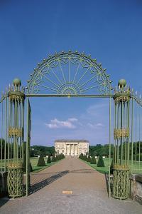 France, Loire Valley, Saint-Barthelemy D'Anjou, Pignerolle Castle