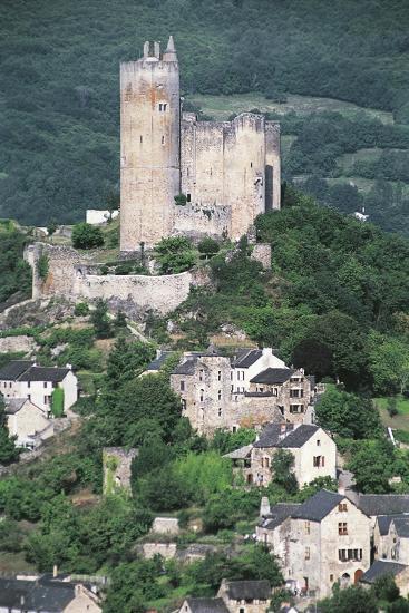France, Midi-Pyrenees, Najac, Royal Fortress of Najac--Giclee Print