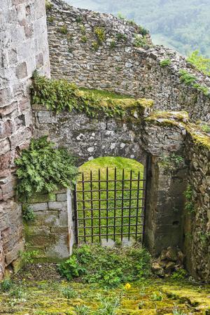 https://imgc.artprintimages.com/img/print/france-najac-window-in-the-najac-castle_u-l-q1ga5mb0.jpg?p=0