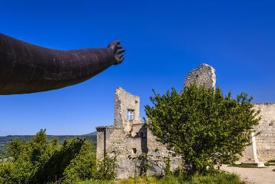France, Provence, Vaucluse, Lacoste, Castle Ruin Lacoste, Sculpture with Hands-Udo Siebig-Photographic Print