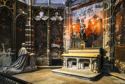 https://imgc.artprintimages.com/img/print/france-toulouse-cathedral-of-st-etienne-interior_u-l-q1ga99n0.jpg?p=0