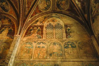 https://imgc.artprintimages.com/img/print/france-toulouse-church-of-the-jacobins-side-chapel_u-l-q1gacbw0.jpg?p=0