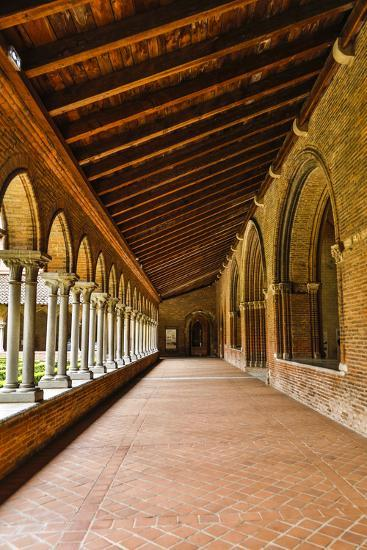 France, Toulouse. Columns of the inner courtyard at the Church of the Jacobins-Hollice Looney-Photographic Print