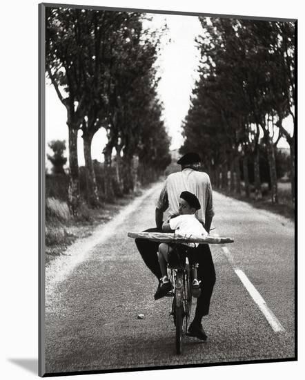 France-Elliott Erwitt-Mounted Print