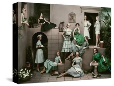 Glamour - April 1952