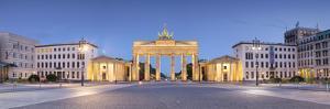 Germany, Deutschland. Berlin. Berlin Mitte. Brandenburg Gate, Brandenburger Tor by Francesco Iacobelli
