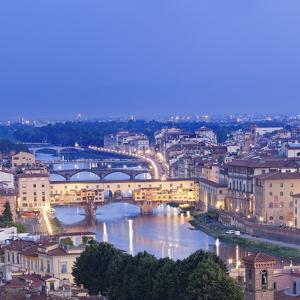Italy, Italia. Tuscany, Toscana. Firenze District. Florence, Firenze. Ponte Vecchio and Arno River by Francesco Iacobelli