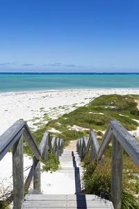 Geraldton Beach, Western Australia by Francesco Riccardo Iacomino