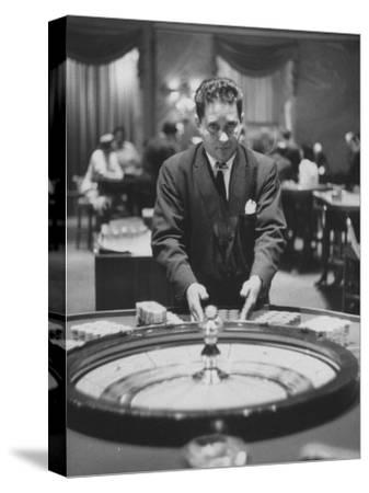 Dealer Roulette at National Casino