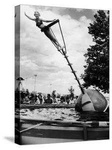 Model Demonstrating the Aqua Bobber by Francis Miller