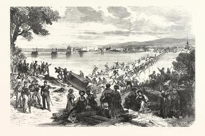 Franco-Prussian War: French Soldiers Break Down the Ship's Bridge over the Rhine at Kehl--Giclee Print