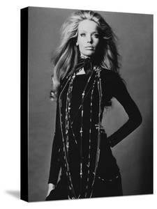 Vogue - November 1969 - Veruschka Draped with Necklaces by Franco Rubartelli