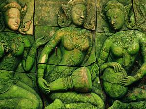 Terracotta Sculptures at Ban Phor Liang Meun Ceramics by Frank Carter