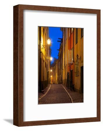 Narrow Street at Dusk, Gamla Stan, Stockholm, Sweden, Scandinavia, Europe
