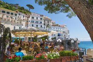 Promenade, Amalfi, Amalfi Coast, UNESCO World Heritage Site, Campania, Italy, Europe by Frank Fell