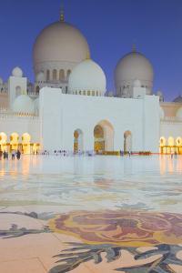 Sheikh Zayed Bin Sultan Al Nahyan Mosque at Dusk, Abu Dhabi, United Arab Emirates, Middle East by Frank Fell