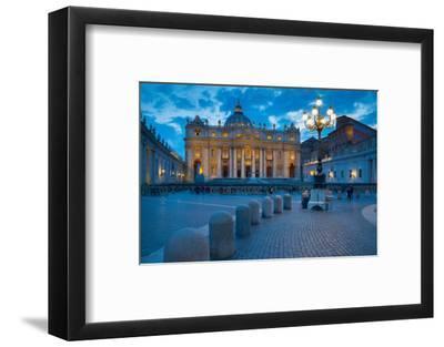 St. Peters and Piazza San Pietro at Dusk, Vatican City, UNESCO World Heritage Site, Rome, Lazio