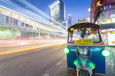 Traffic and Tuk Tuk on Ratchadamri Road, Bangkok, Thailand, Southeast Asia, Asia by Frank Fell