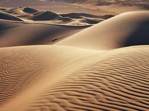 Dune landscape in Erg Admer by Frank Krahmer