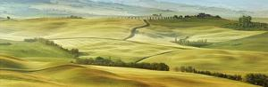 Tuscany landscape, Val d'Orcia, Italy by Frank Krahmer