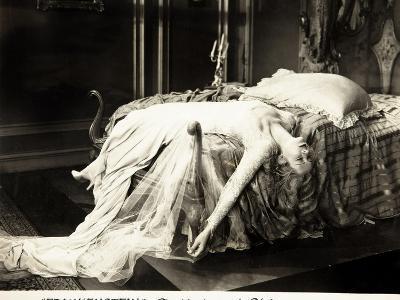 Frankenstein, Mae Clarke on lobbycard, 1931--Art Print