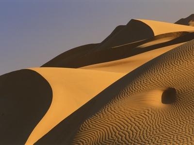 Sand dunes (Timimoun, Grand Erg, Gourara Valley, Sahara Desert, Algeria)