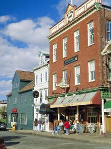 Thames Street, Newport, Rhode Island, USA by Fraser Hall