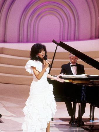 Marilyn Mccoo Performs at the Songwriters' Hall of Fame, May 11, 1989