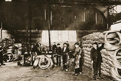 https://imgc.artprintimages.com/img/print/french-boys-as-war-workers-young-hands-in-a-barbed-wire-factory-the-first-stage-of-the-process_u-l-pq10890.jpg?p=0