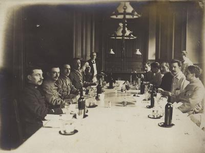 French Convalescents Having Lunch in Hospital, January 1916--Photographic Print