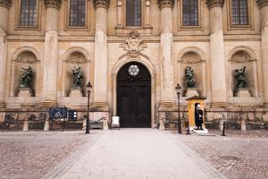 Stockholm Palace, Portal, Guard House, Guard by Frina