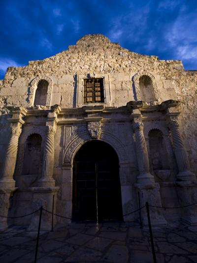 Front Facade of the Alamo-Richard Nowitz-Photographic Print