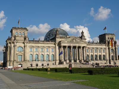 Front View of the Reichstag Building, Berlin, Germany--Photographic Print