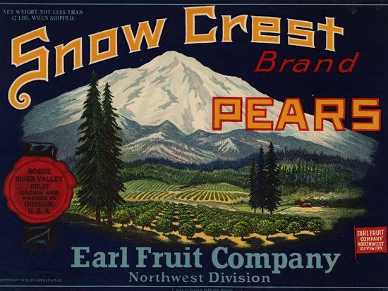 Fruit Crate Labels: Snow Crest Brand Pears; Earl Fruit Company--Art Print