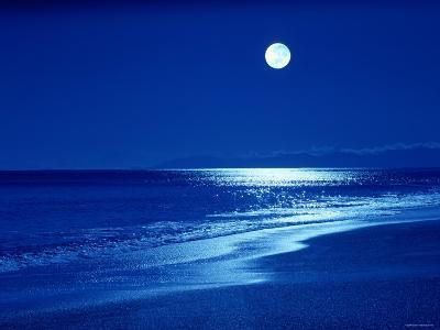 Full Moon Over the Sea--Photographic Print