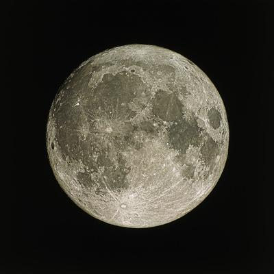 https://imgc.artprintimages.com/img/print/full-moon_u-l-pkuh6h0.jpg?p=0