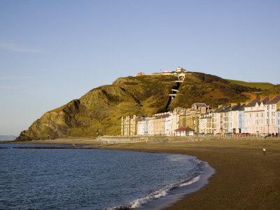 https://imgc.artprintimages.com/img/print/funicular-cliff-railway-on-constitution-hill-in-winter-light-aberystwyth-wales-uk_u-l-pxuju20.jpg?p=0