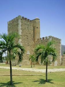 Tower of Homage, Fortress, Santo Domingo, Dominican Republic, Caribbean, West Indies by G Richardson